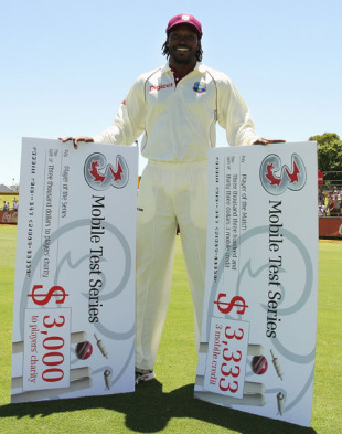 Chris Gayle is Man of the Match and Player of the Series, Australia v West Indies, 3rd Test, Perth, December 20, 2009