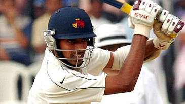 Dhawal Kulkarni kept Mumbai's hopes alive with 87