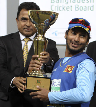 http://static.cricinfo.com/db/PICTURES/CMS/112800/112845.2.jpg