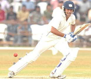 Manish Pandey's attacking century was in vain, Karnataka v Mumbai, Ranji Trophy final, Mysore, 4th day, January 14, 2010