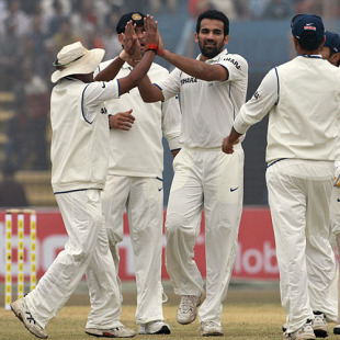 Zaheer Khan dealt Bangladesh the first blow, Bangladesh v India, 1st Test, Chittagong, 2nd day, January 18, 2010
