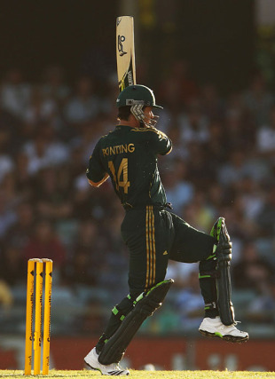 Ricky Ponting pulls magnificently, Australia v Pakistan, 5th ODI, Perth, January 31, 2010