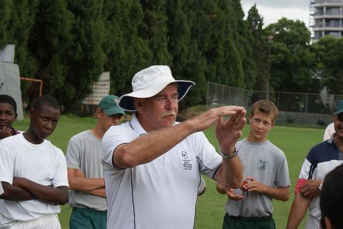 113682 - Warne's coach Terry Jenner dies after long illness