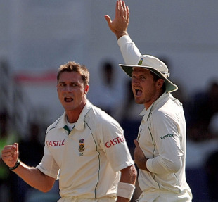 Dale Steyn and Graeme Smith appeal for a wicket, India v South Africa, 1st Test, Nagpur, 3rd day, February 8, 2010