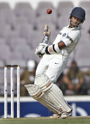Intense concentration from Wriddhiman Saha, India v South Africa, 1st Test, Nagpur, 4th day, February 9, 2010