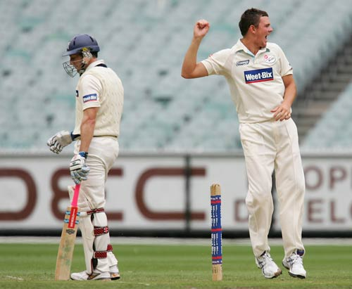 Josh Hazlewood celebrates the wicket of David Hussey