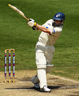 Chris Rogers on his way to an unbeaten 80, Victoria v New South Wales, Sheffield Shield, 3rd day, MCG