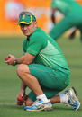 Jeremy Snape takes part in a fielding drill, India v South Africa, 2nd Test, Kolkata, 2nd day, February 15, 2010