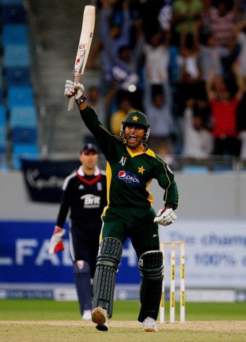 Captains laud Razzaq onslaught | Cricket | ESPNcricinfo com