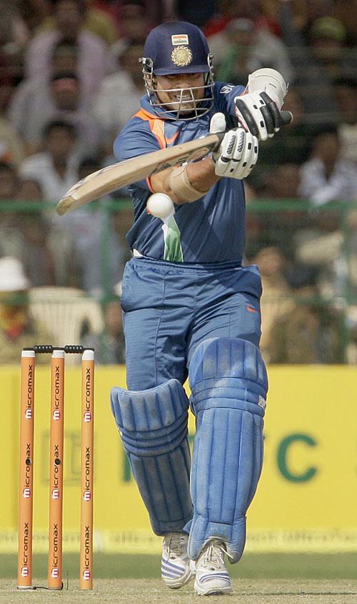 Sachin Tendulkar looks to pull