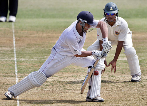 Jonathan Trott Offers Solid Defence Cricket Photo Espn