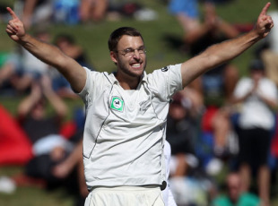 Daniel Vettori gets Simon Katich, his first wicket in his 100th Test, New Zealand v Australia, 2nd Test, Hamilton, 1st day, March 27, 2010