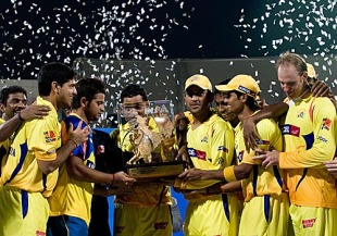 Chennai Super Kings pose with the IPL trophy, Chennai Super Kings v Mumbai Indians, IPL final, DY Patil Stadium, April 25, 2010
