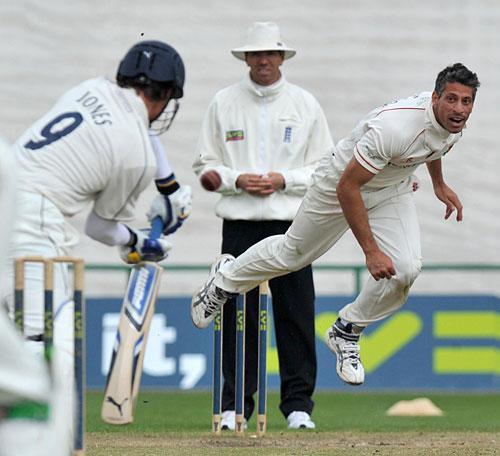 116723 - Sajid Mahmood let go by Lancashire
