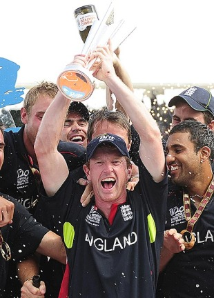 Paul Collingwood holds aloft the ICC World Twenty20 trophy, England v Australia, ICC World Twenty20 final, Barbados, May 16, 2010