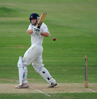 Neil McKenzie anchored Hampshire's reply against Yorkshire, Hampshire v Yorkshire, County Championship, Division One, The Rose Bowl, May 25, 2010