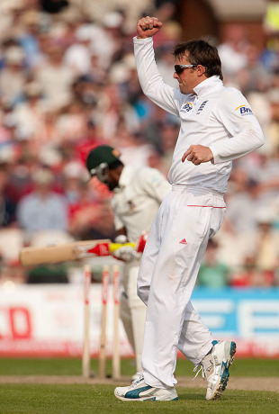 Graeme Swann celebrates the dismissal of Jahurul Islam, England v Bangladesh, 2nd npower Test, Old Trafford, June 5, 2010
