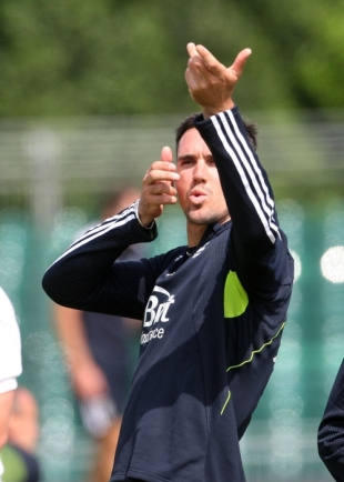 Kevin Pietersen sets his sights on Scotland ahead of England's ODI in Edinburgh, June 18, 2010