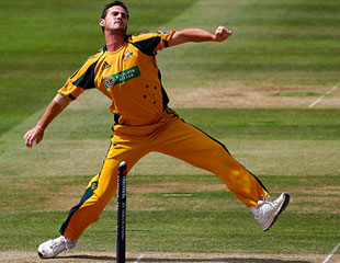 Shaun Tait flew into England's top-order batting, England v Australia, 5th ODI, Lord's, July 3, 2010