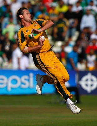 Shaun Tait was off-colour in his first spell since clocking 100mph at Lord's on Sunday, Australia v Pakistan, 1st Twenty20, Edgbaston, July 5, 2010