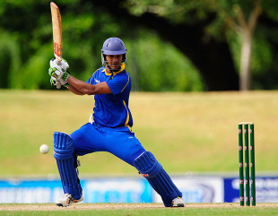Dimuth Karunaratne goes on the attack