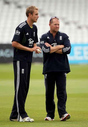 Stuart Broad chats with England bowling coach David Saker, Trent Bridge, July 7, 2010
