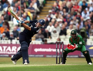 Andrew Strauss used his feet well against the spinners, England v Bangladesh, 3rd ODI, Edgbaston, July 12, 2010
