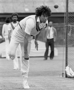 Imran Khan bowls in the nets ahead of the Lord's Test, August 11, 1982