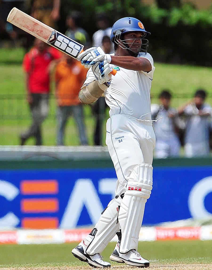 Kumar Sangakkara goes on the offensive