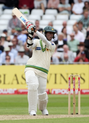 Mohammad Aamer had work to do with the bat because his colleagues at the top failed