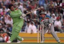Inzamam-ul-Haq pulls during his blitz, New Zealand v Pakistan, World Cup semi-final, March 21, Auckland, 1992