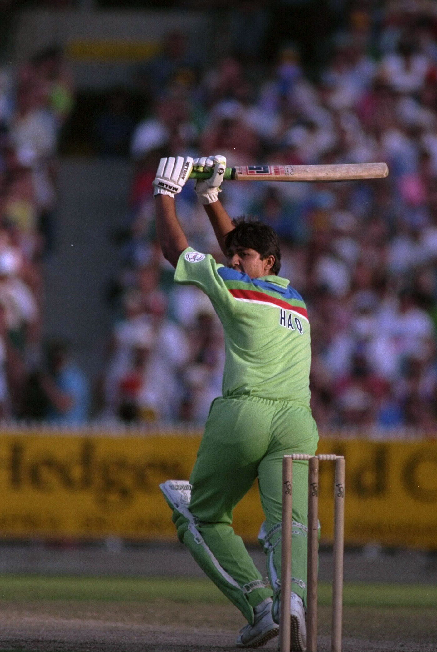 Inzamam-ul-Haq's 35-ball 42 helped Pakistan gain a crucial 153 runs off the last 20 overs in the 1992 World Cup final