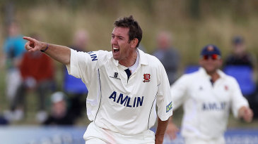 David Masters snared three wickets as Essex fought back strongly against Warwickshire