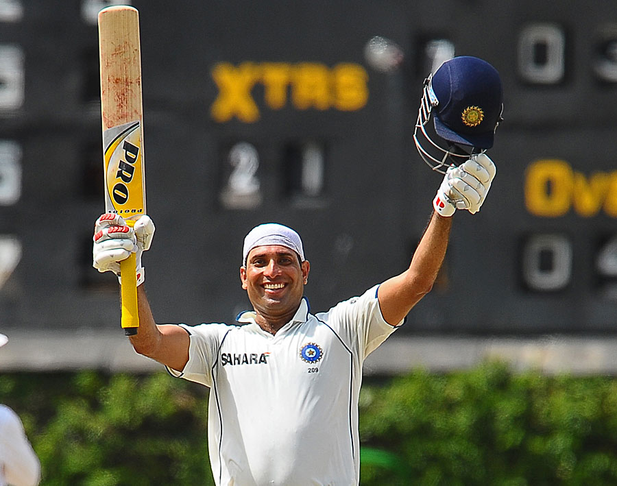 VVS Laxman celebrates his 16th century shortly before the victory