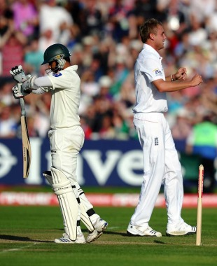 Azhar Ali asks for a review and was saved by the replays, England v Pakistan, 2nd Test, Edgbaston, August 7, 2010