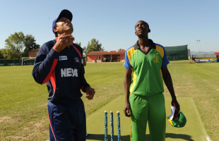 Paras Khadka and Hamisi Abdallah at the toss, Nepal v Tanzania, ICC WCL Div. 4, Medicina, August 17 2010