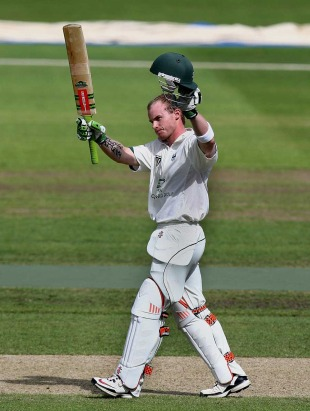 Alexei Kervezee celebrates his fine hundred as Worcestershire's lead grew, Worcestershire v Surrey, County Championship, Division Two, New Road, August 18, 2010