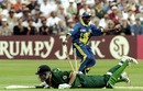 Hansie Cronje is run out, 9th match: South Africa v Sri Lanka, World Cup, Northampton, May 19, 1999