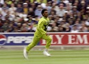 Shoaib Akhtar charges in, Pakistan v Zimbabwe, World Cup, The Oval, June 11, 1999
