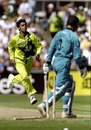 Shoaib Akhtar grabs a wicket, 1st semi-final: New Zealand v Pakistan, World Cup, Manchester, June 16, 1999