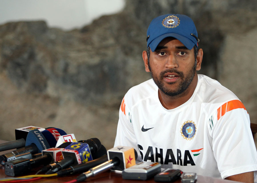 MS Dhoni addresses the media ahead of India's game against Sri Lanka