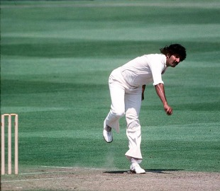 Sarfraz Nawaz sends one down, West Indies v Pakistan, World Cup, 2nd semi-final, June 20, 1979
