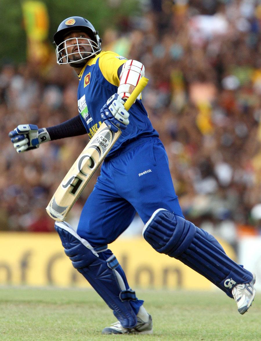 Tillakaratne Dilshan celebrates his hundred