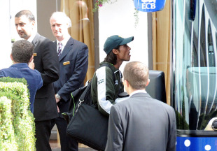 Mohammad Amir boards the team coach as Pakistan leave for their tour match against Somerset, London, August 30, 2010