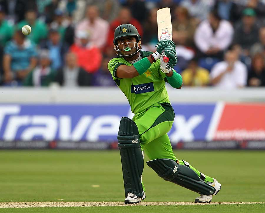 Umar Akmal gave Pakistan something to bowl at with 35 off 30 balls
