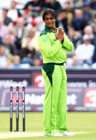 Shoaib Akhtar bowled an excellent opening spell and was unlucky not to pick up a wicket, England v Pakistan, 1st ODI, Chester-le-Street, September 10 2010