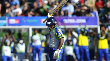 Jeevantha Kulatunga acknowledges the applause after reaching his fifty