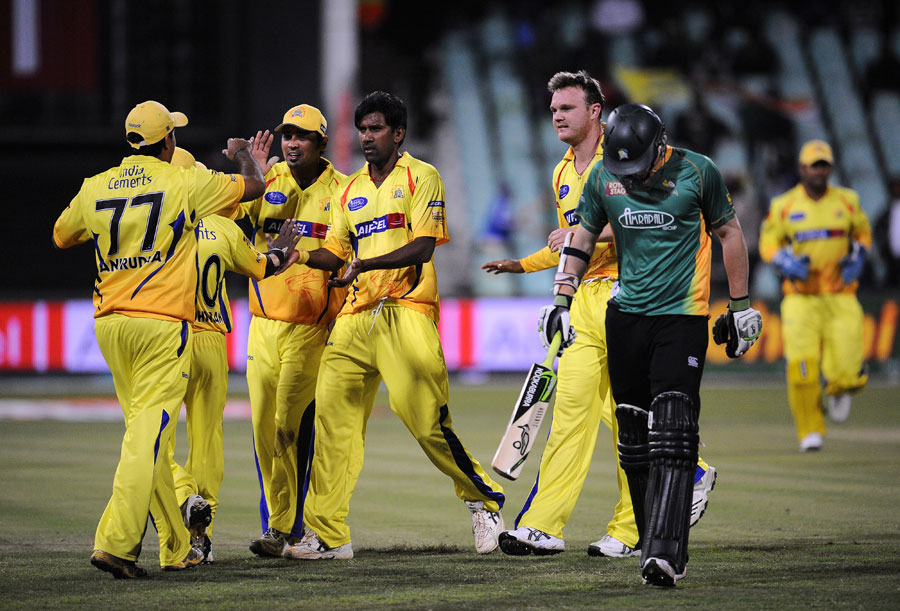 Chennai celebrate the dismissal of George Worker