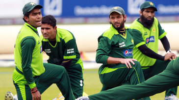 Pakistan's squad trains ahead of the fourth ODI at Lord's