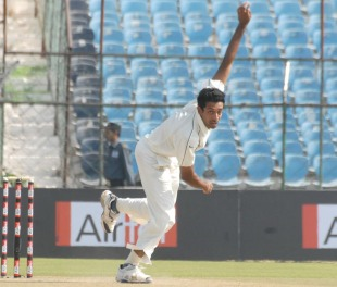 Dhawal Kulkarni finished with 5 for 148, Mumbai v Rest of India, Irani Cup, Jaipur, 2nd day, October 2, 2010